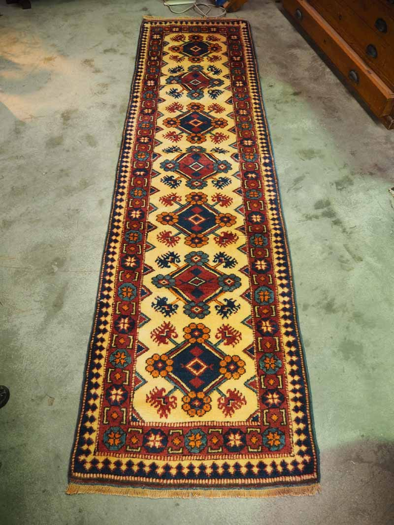 Wool Runner, Turkish - Antalya. Approximately 60 years old