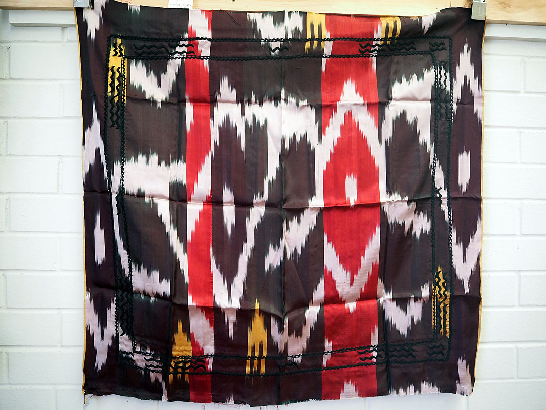 Vintage Uzbeki hand loomed & embroidered silk Ikat Belbog or sash c.1970