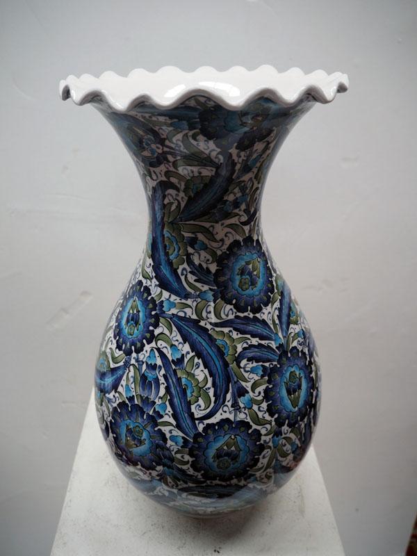 Finely painted Iznik style vase from Kutahya