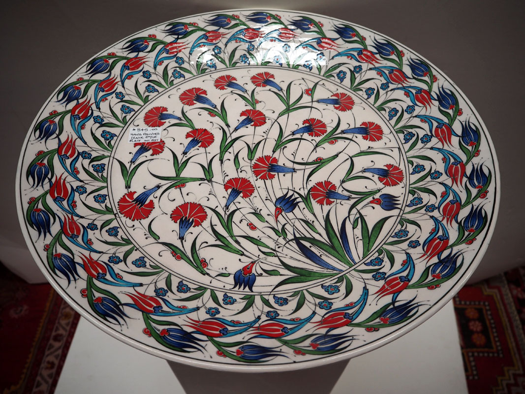 Hand painted Turkish Iznik style plate of a Floral pattern