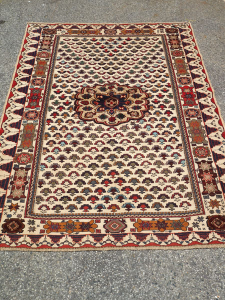 Finely knotted wool on wool Persian carpet Sirjan Soumac, approximately 10 years old