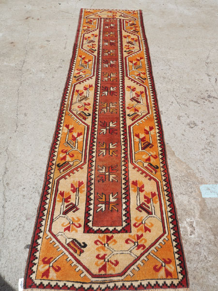 Double knotted hand made wool on wool Turkish carpet from Milas, approximately 50 years old