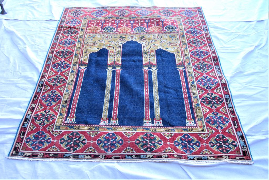 T800 Ottoman Turkish Bulgarian wool on cotton carpet approximately 100 years old 1.80 x 1.36 $1,495.00