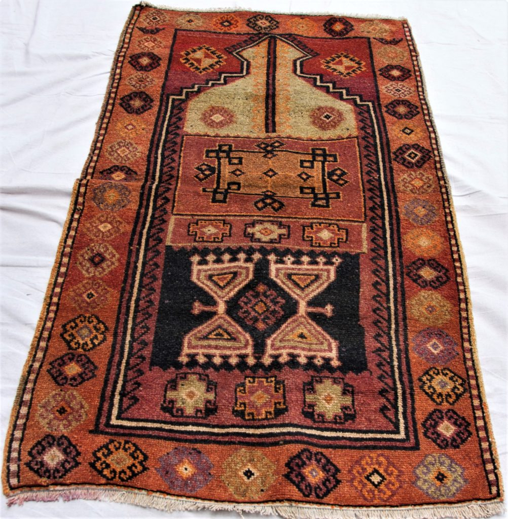 T841 Kurdish Malatyer hand knotted wool on wool carpet approximately 80 years old 1.60 x 0.83 $495.00