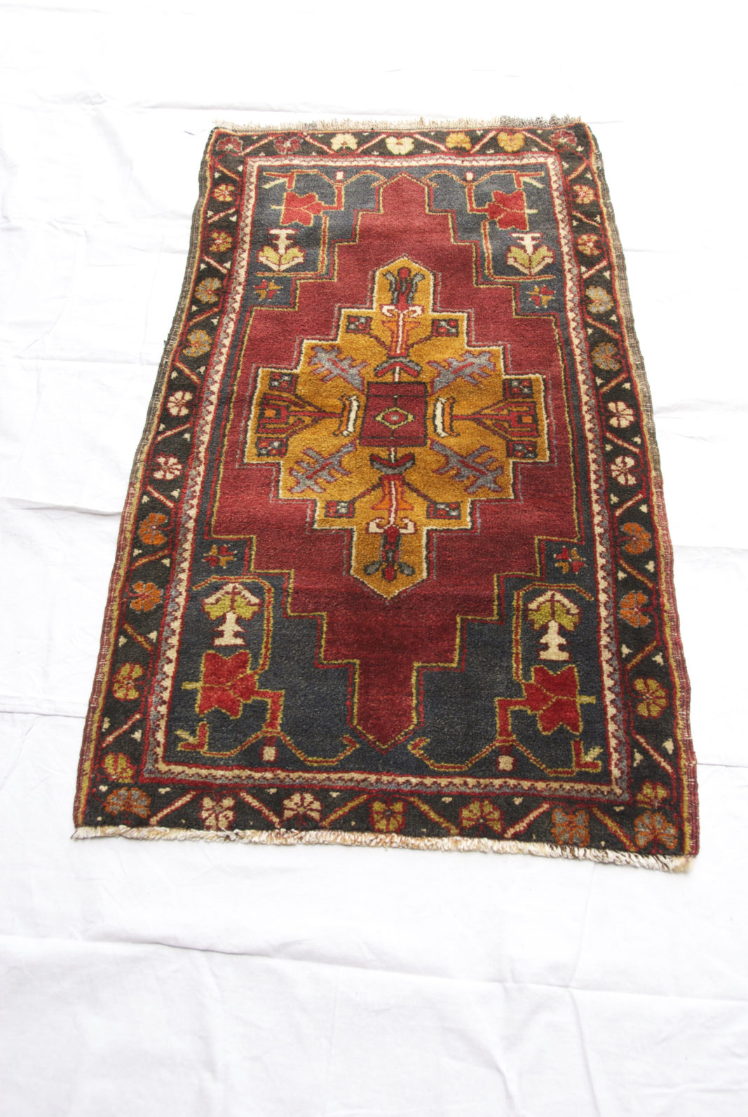 Turkish Tashpinar carpet hand woven and knotted wool on wool carpet 40-50 years old 1.28 x 0.70 $395